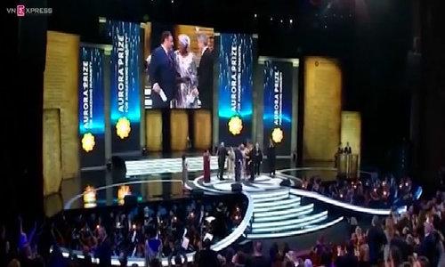 George Clooney presents Aurora Prize to Burundi humanitarian worker