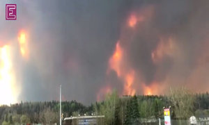 Time-lapse video shows raging Canada wildfire