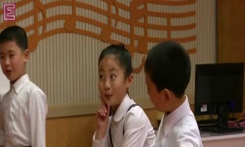 Children perform for world's press before North Korean congress