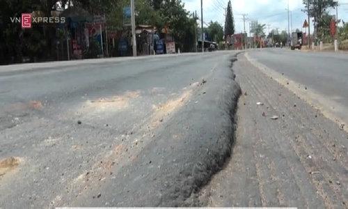 $90mil road deteriorates into dangerous pothole slalom ed cf vid
