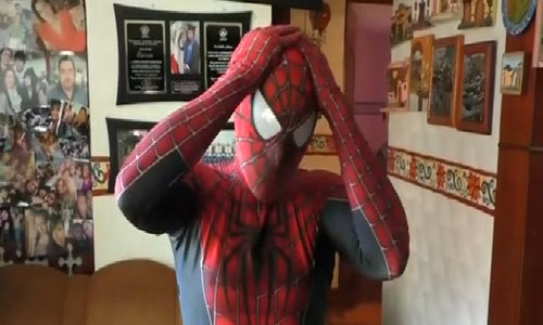 Mexican 'Spiderman' weaves web of knowledge for science students