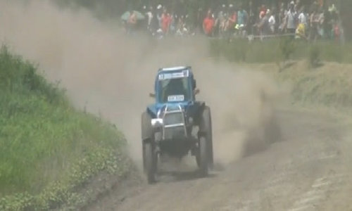Drivers compete in Russian tractor races