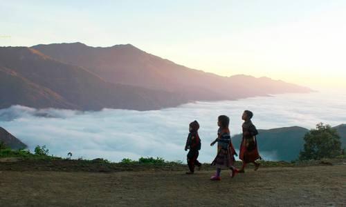 Clouds hunting in Ta Xua