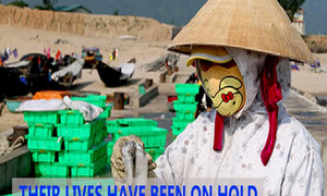 Ha Tinh residents anxiously await answers to cause of mass fish deaths