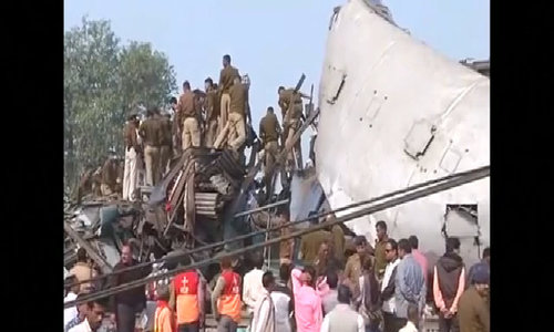 At least 90 killed as India train derails, more than 150 injured
