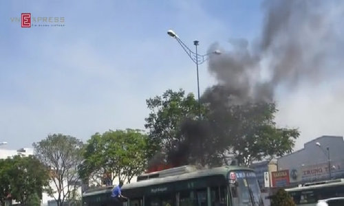 Public bus went on fire on Ho Chi Minh City street