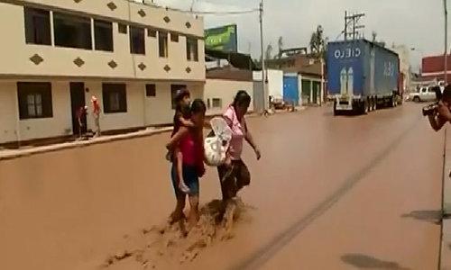 Dramatic video of devastating floods in Peru