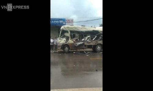 Bus badly damaged after crash on Vietnam highway