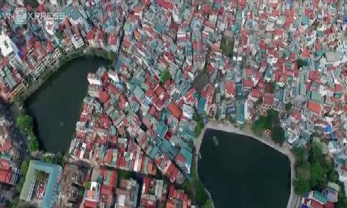 A bird's-eye view to Hanoi's notorious green lakes (photo feature-longform)