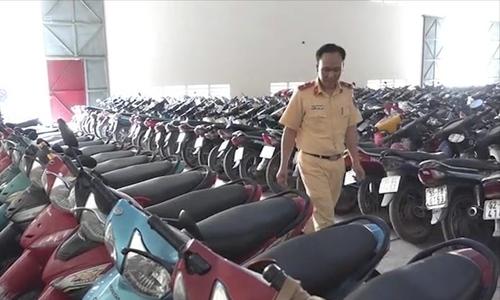 Traffic offenders abandon 10,000 motorbikes at Saigon's impound lots