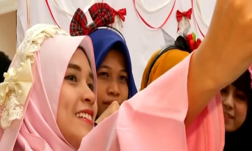 Hijab cosplay takes off in Southeast Asia