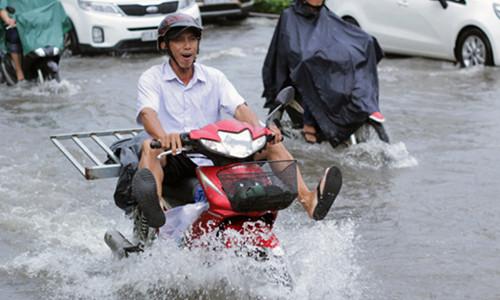 Wading into Saigon's battle to make the city rainproof
