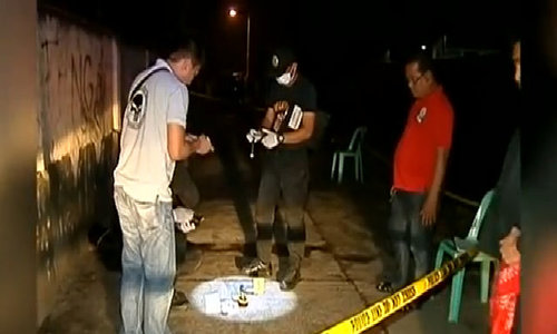Philippine police kill 32 in drugs war's bloodiest day