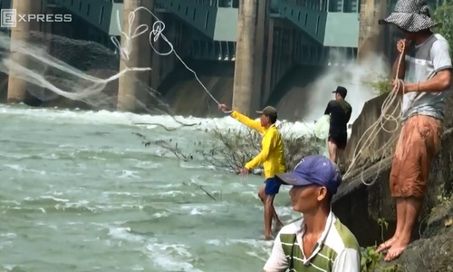 Reservoir release sparks illegal electrofishing craze in northern Vietnam