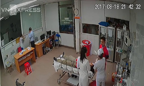 Ward leader fined $13 for threatening doctors with a plastic stool in central Vietnam