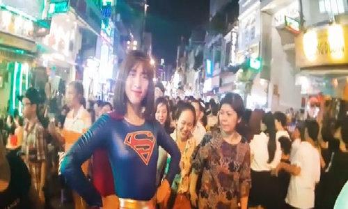 Saigon backpacker street is haunted on Halloween night