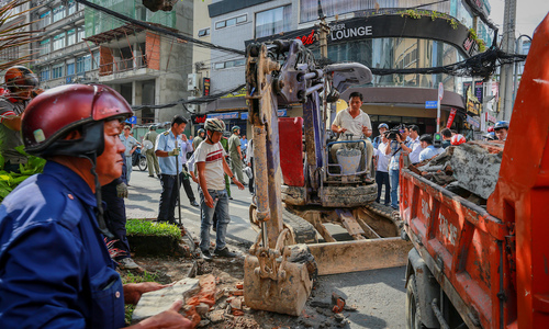 Saigon in strife: Can fresh autonomy solve the city's problems?