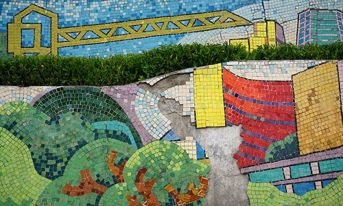 World's largest ceramic mosaic under maintenance in Hanoi, again
