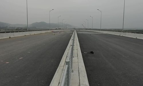 Vietnam giving final touches to $1 billion expressways to Ha Long Bay