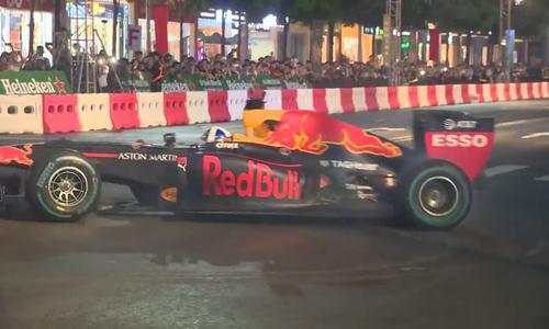 F1 auto racing makes debut in Vietnam