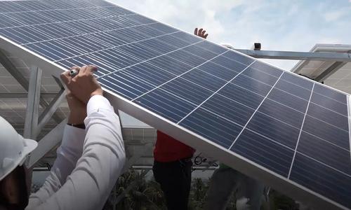 More Saigonese start 'sun bathing' on their roofs
