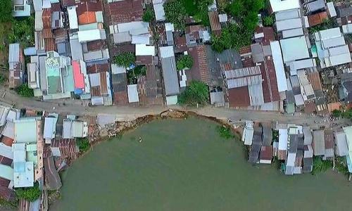 Land erosion a manmade disaster in Vietnam's Mekong Delta