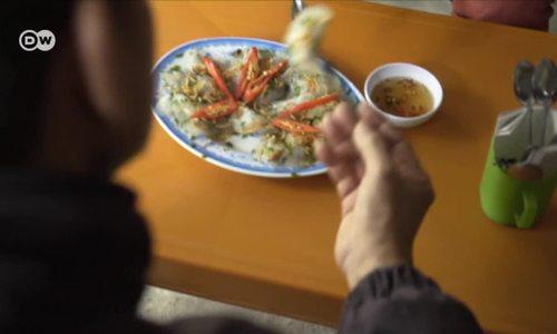 Vietnam: Madame Thuy's dumplings