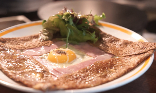 Saigon Crepe's kitchen