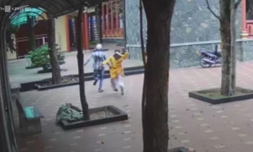 Monk chases, captures pagoda thieves in southern Vietnam
