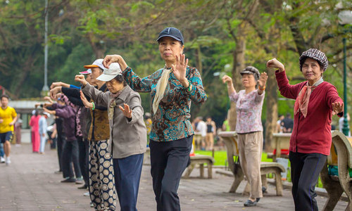 Hanoi seniors: Dancing's the way to keep problems at bay