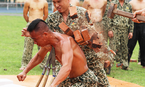 Commandos' grueling training to shape up