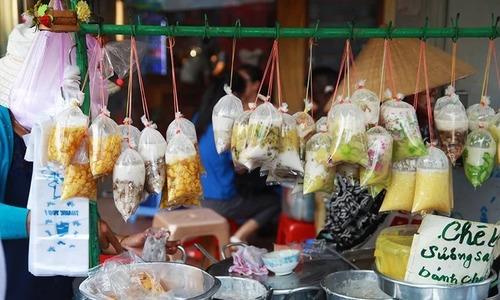 5 favorite Saigon street snacks