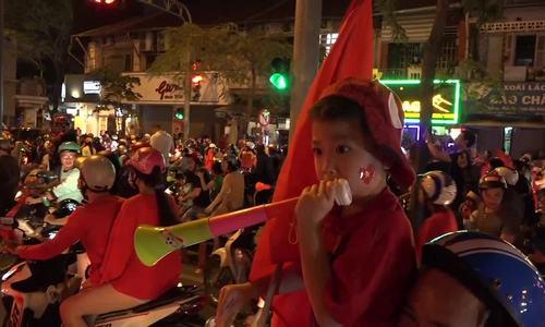 Fans storm streets as Vietnam advances to SEA Games men's football final
