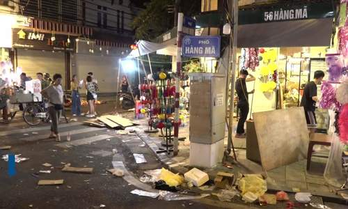 Hanoi lantern street inundated with garbage after Mid-Autumn Festival