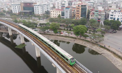 Chinese contractor begins transferal of Cat Linh-Ha Dong metro line to Hanoi