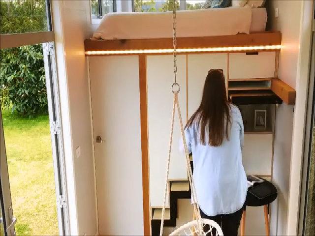 Căn nhà 17 m2 khiến khách mỏi mắt tìm đường lên phòng ngủ