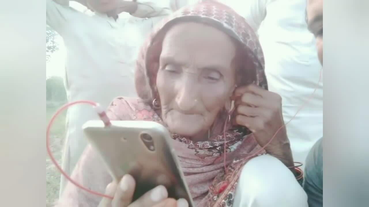Cụ bà tìm lại gia đình sau 73 năm chia cắt biên giới