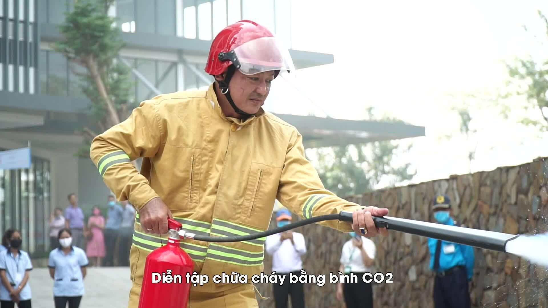 Compass One diễn tập phòng cháy chữa cháy