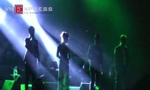 """Hà Trần - Tấn Minh - nhóm Duo hát """"Sắc màu"""""""