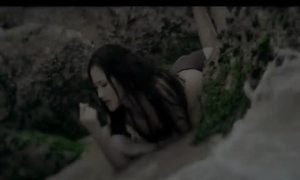 MV 'Phút giây bên nhau' của Maya