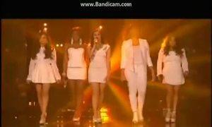 Thí sinh X-Factor Mỹ hát tưởng niệm nạn nhân vụ xả súng