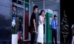 """Hồ Quỳnh Hương hát """"Hoang mang"""" động viên thí sinh X-Factor"""