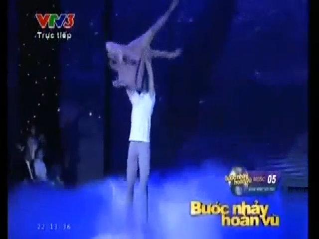 Ốc Thanh Vân và Atanas nhảy thể loại Múa đương đại