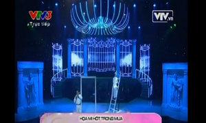 Khánh Linh hát 'Họa mi hót trong mưa'
