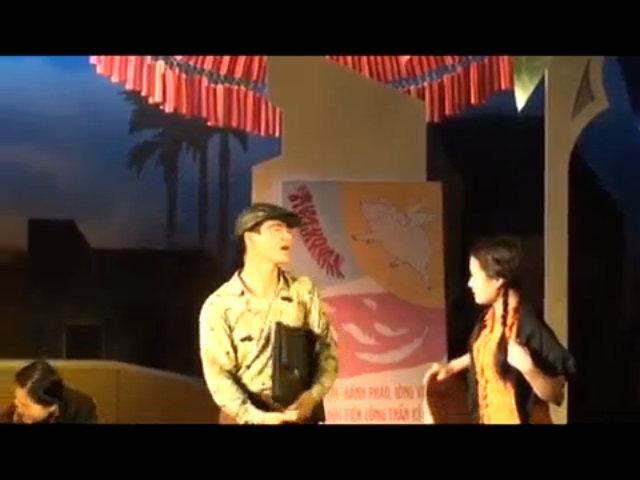 Nghệ sĩ Xuân Bắc trong vở kịch Bệnh Sĩ của Lưu Quang Vũ