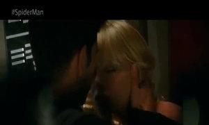 Nụ hôn trong tủ của Người Nhện