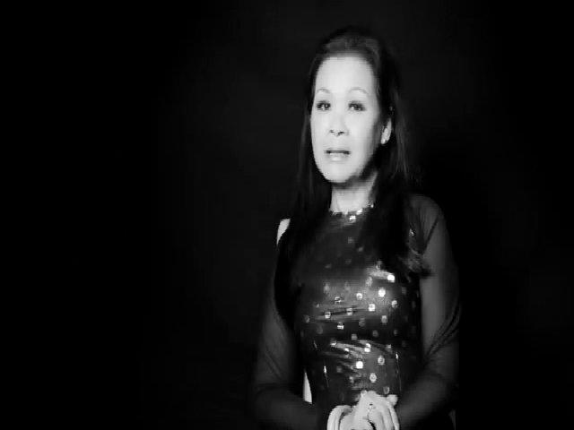Khánh Ly gửi lời chào khán giả Việt Nam