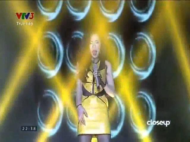 Giang Hồng Ngọc hát 'Oh la la'