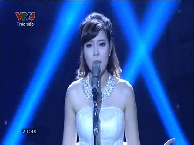 Uyên Nguyên hát 'Love the way you lie'