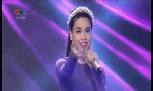 Hồ Ngọc Hà hát 'Như hoa mùa xuân'